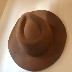 Tan Fedora Hat /Perfect for Fall 🍁